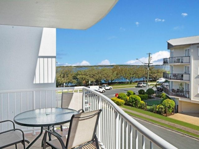 1bed-caloundra-apartment (11).jpg