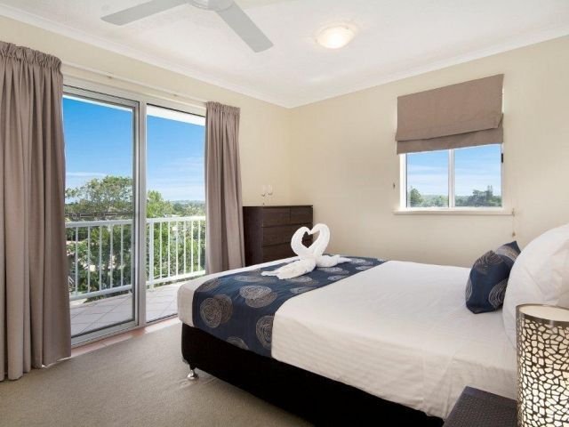 1bed-caloundra-apartment (2).jpg