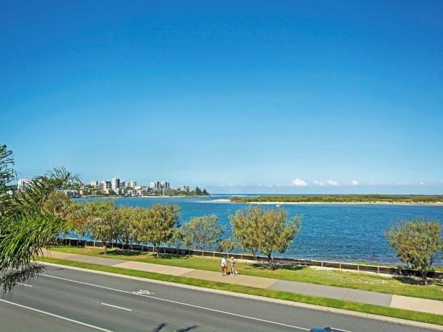 2bed-beachfront-apartment-caloundra (12).jpg