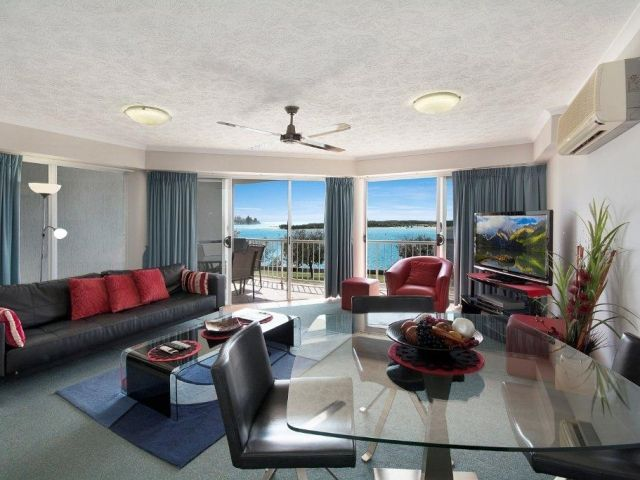2bed-beachfront-apartment-caloundra (3).jpg