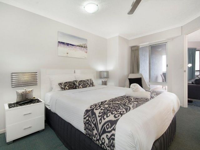 2bed-beachfront-apartment-caloundra (5).jpg
