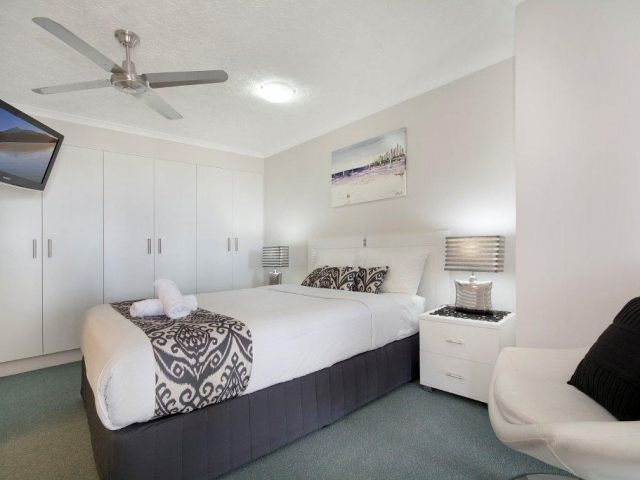 2bed-beachfront-apartment-caloundra (6).jpg