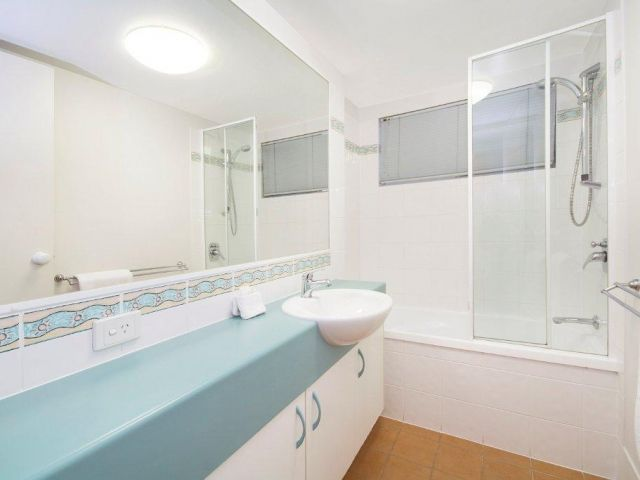 2bed-beachfront-apartment-caloundra (7).jpg