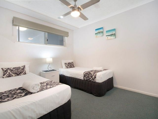 2bed-beachfront-apartment-caloundra (8).jpg