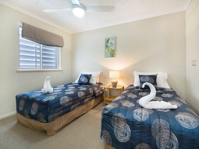 2bed-beachfront-accommodation (1).jpg