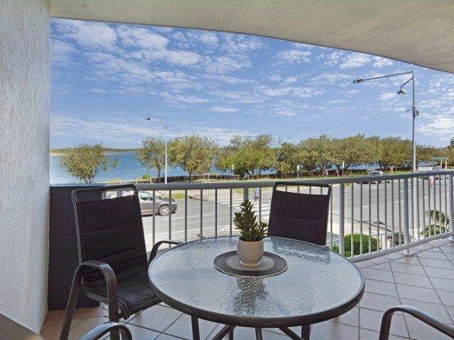 2bed-beachfront-accommodation (15).jpg