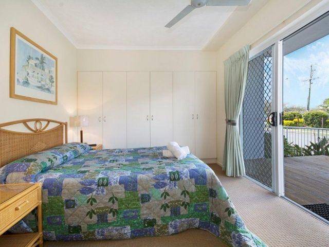 2bed-beachfront-accommodation (4).jpg
