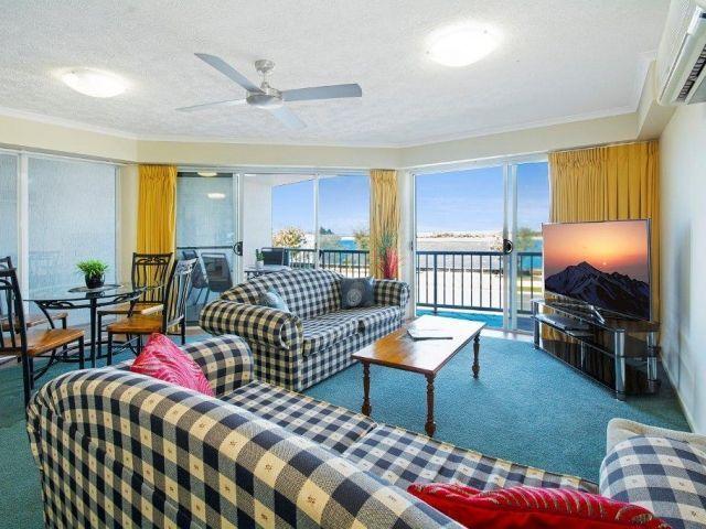2bed-beachfront-accommodation (8).jpg