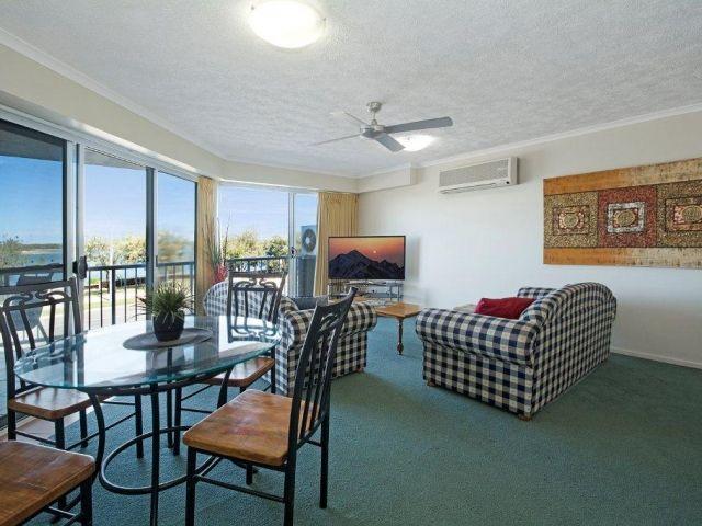2bed-beachfront-accommodation (9).jpg