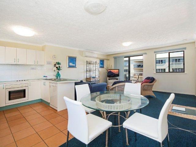 2bed-apartment-beachfront (10).jpg