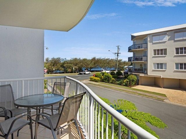 2bed-apartment-beachfront (6).jpg