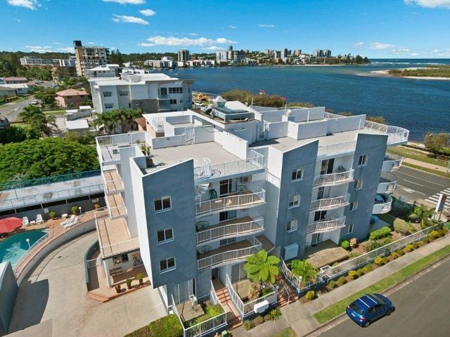 2bed-rooftop-accommodation-caloundra (10).jpg