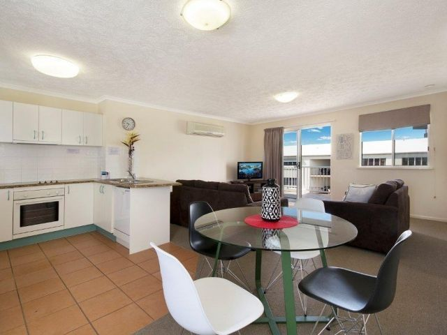 2bed-rooftop-accommodation-caloundra (2).jpg