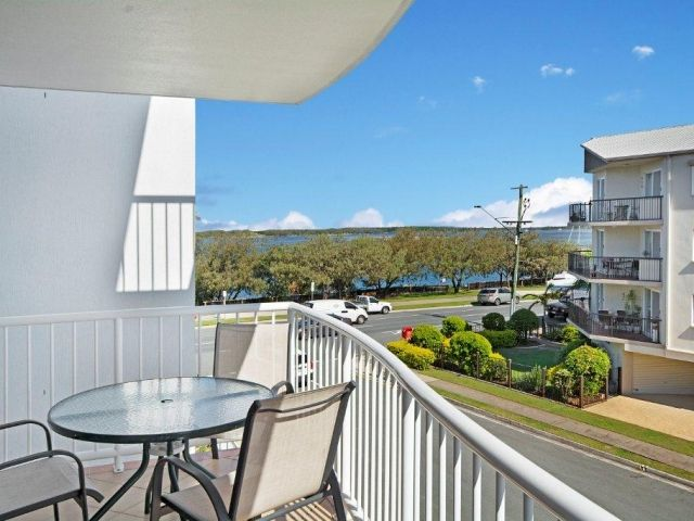 2bed-rooftop-accommodation-caloundra (5).jpg