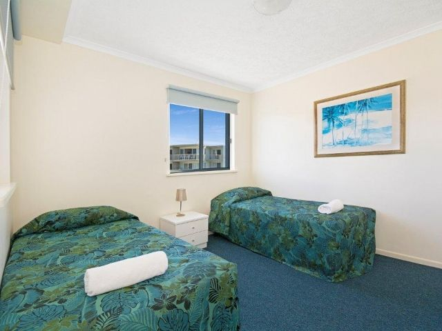 2bed-rooftop-accommodation-caloundra (6).jpg
