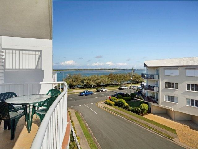 2bed-rooftop-accommodation-caloundra (7).jpg
