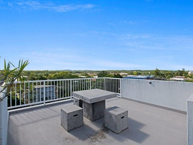2bed-rooftop-accommodation-caloundra (8).jpg