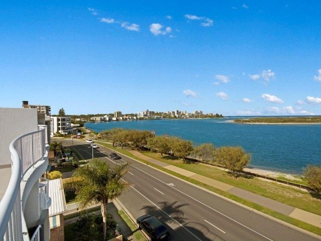 2bed-rooftop-accommodation-caloundra (9).jpg