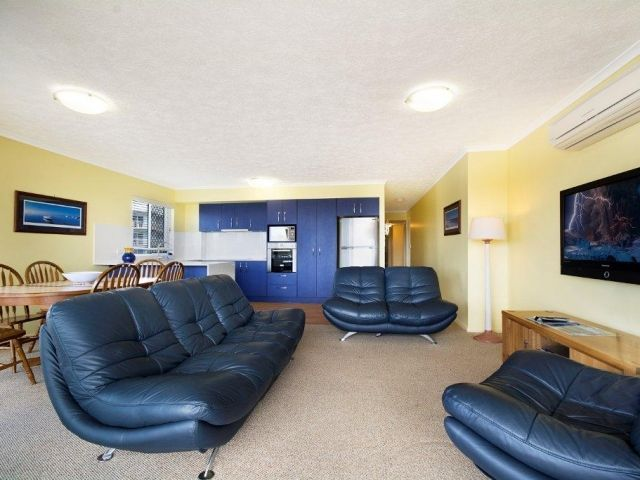 3bed-caloundra-accommodation (3).jpg