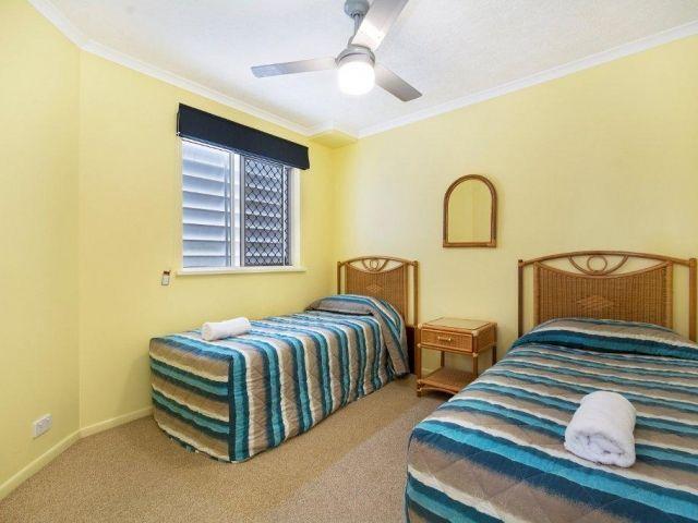 3bed-caloundra-accommodation (4).jpg