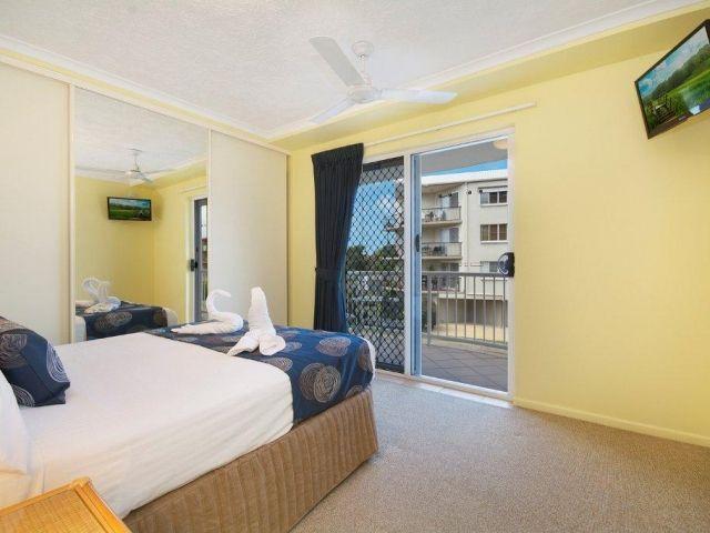 3bed-caloundra-accommodation (6).jpg
