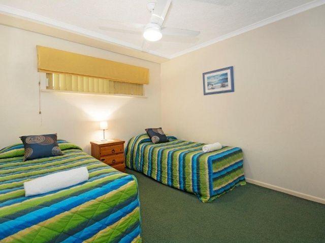 3bed-beachfront-accommodation (10).jpg