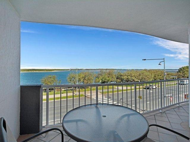 3bed-beachfront-accommodation (4).jpg