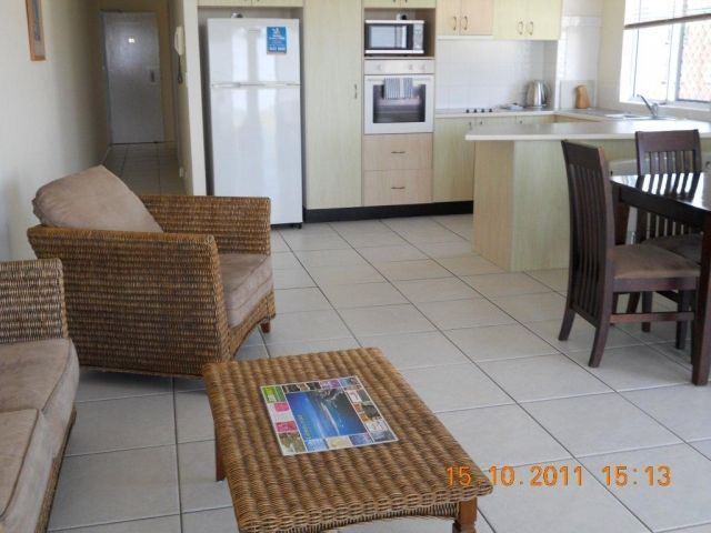 3bed-beachfront-accommodation (7).jpg