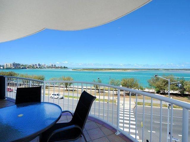 3bed-beachfront-accommodation-l4 (11).jpg